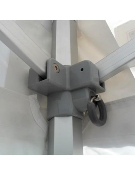 Les pièces de connexion de nos barnums Pro en aluminium sont de qualité, en Nylon PA6