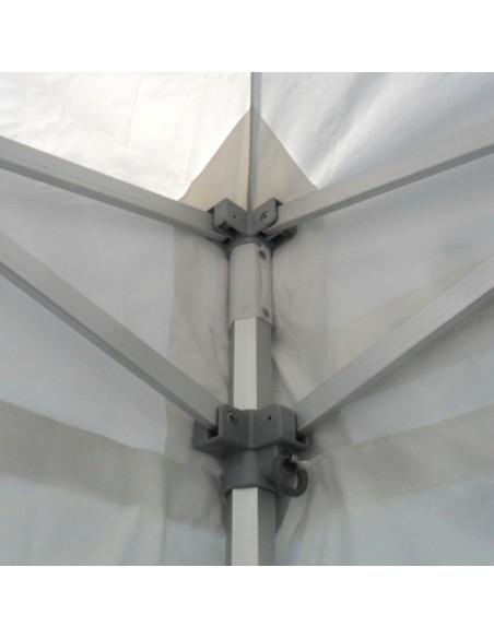 La bâche de toit de nos barnums Pro en aluminium est renforcée aux angles, mât(s) et intersections