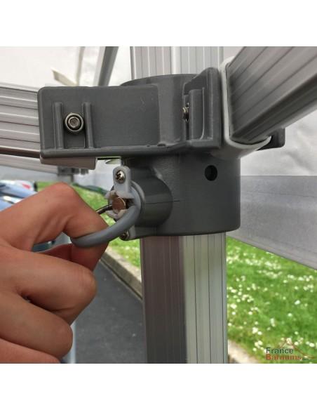 Goupille enrobée ergonomique et sécurisée pour le montage et démontage de notre barnum pliant Alu Hexa 55
