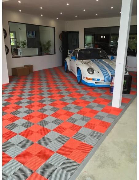 Dalle de sol clipsable idéal showroom automobile