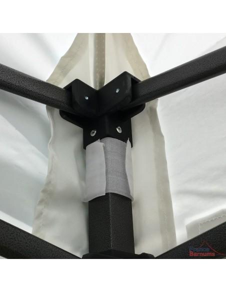 La bâche de toit de notre tente pliante Acier Loisirs à petit prix est renforcée aux angles pour une meilleure solidité
