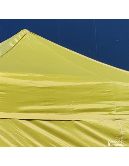Barnum pliante avec bâche Polyester vert doré au soleil