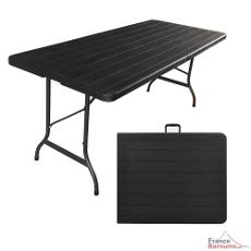 Le plateau pliable et les pieds rabattables facilitent le rangement de votre table sous forme de valise, équipée d'une poignée, permettant de la transporter sans difficultés dans un véhicule classique.
